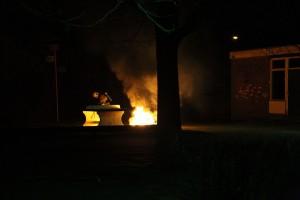 Het vuur in de zandbak werd snel geblust. Foto: Henk Stoelwinder