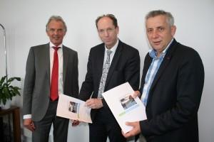 Van links naar rechts: Johannes de Boer, Piet van Dijk en Wietze Kooistra.