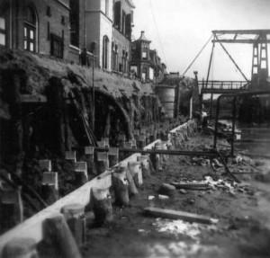 Gedeeltelijke drooglegging in 1949 om de kademuren te vervangen.