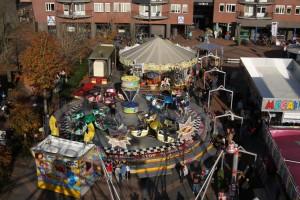Van 9 tot en met 12 mei wordt de kermis gehouden op het marktplein. Foto Henk Stoelwinder