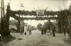 Het school- en volksfeest te Kortezwaag.