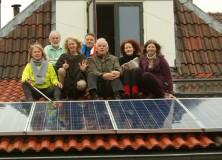 """OpsterLanders zet eigenaren zonnepanelen in het """"zonnetje"""""""