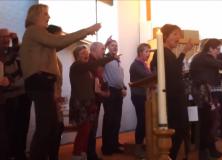 Flashmob voor Ester in de Ontmoetingskerk