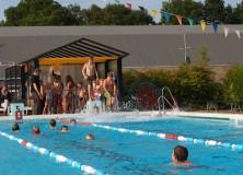 Vier dagen baantjes trekken in zwembad van Gorredijk