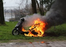 Scooter vliegt in brand